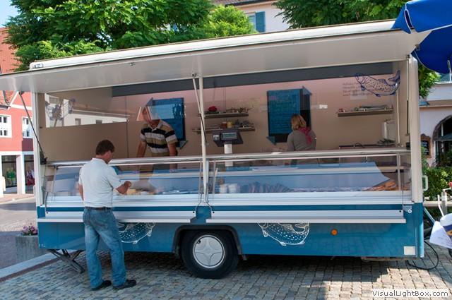 Der Verkaufsstand von Fischzucht Berger in Kissing